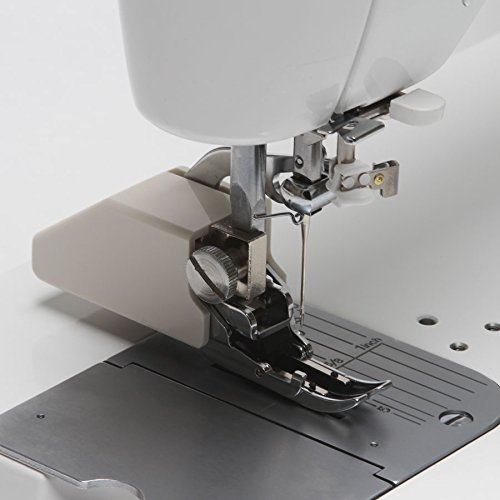JUKI TL-2000Qi Sewing and Quilting Machine 1